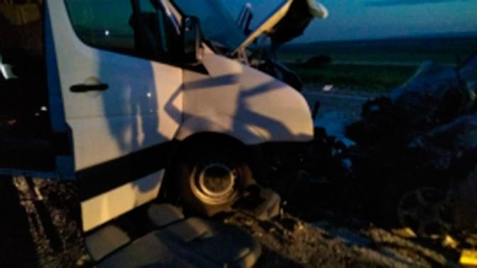 Две жертвы и 10 пострадавших: под Ставрополем произошло ДТП с автобусом