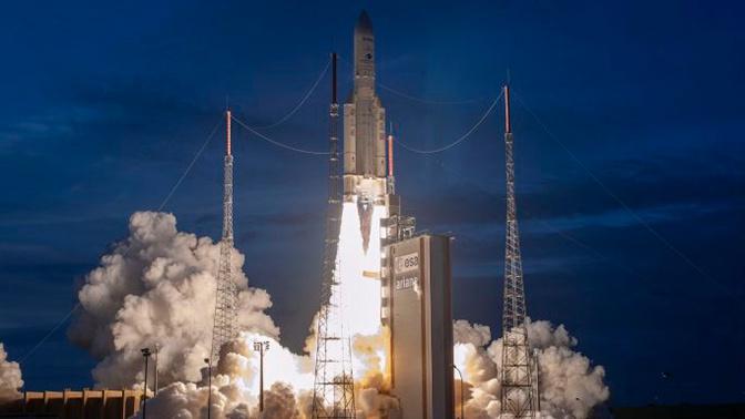 Ракета-носитель Ariane 5 стартовала с космодрома Куру