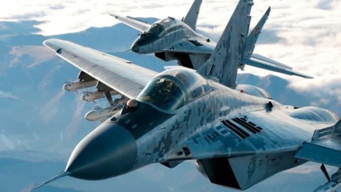 Два МиГ-29 были подняты для сопровождения пассажирского самолета