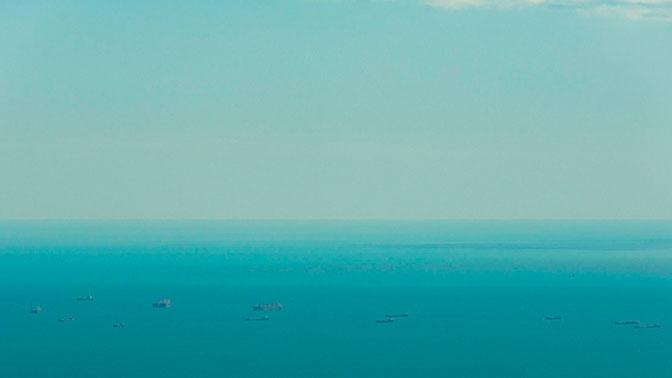 Теплоход с углем сел на мель в Керченском проливе