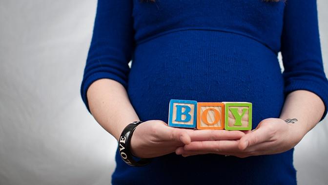 Чиновница из Владимира посоветовала девочкам рожать вместо учебы
