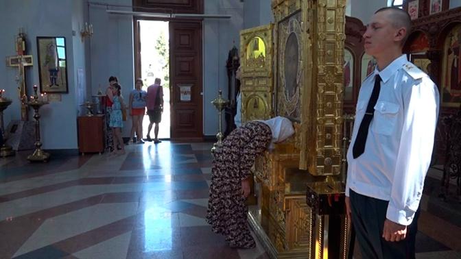 Главная икона храма ВС РФ собрала в Волгограде более 1500 верующих