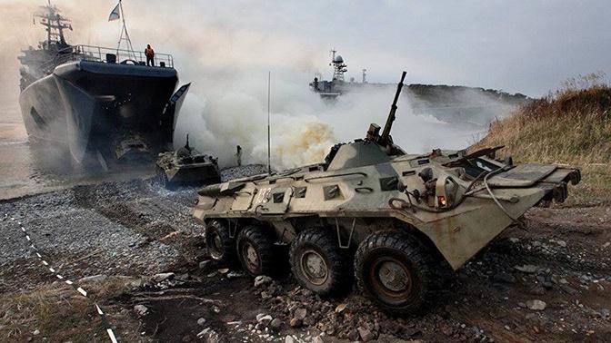 «Десантирование» под охраной: корабли ТОФ высадили морпехов на необорудованное побережье