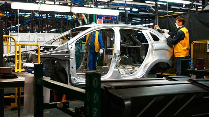 «АвтоВАЗ» возобновит производство в Тольятти и Ижевске