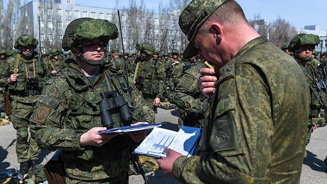 Российским военнослужащим с 1 октября повысят зарплаты