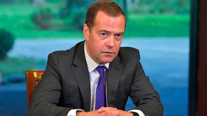 Медведев распорядился провести всероссийскую диспансеризацию