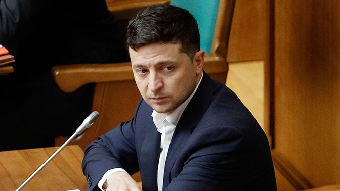 Зеленский запретил военным возглавлять Минобороны Украины
