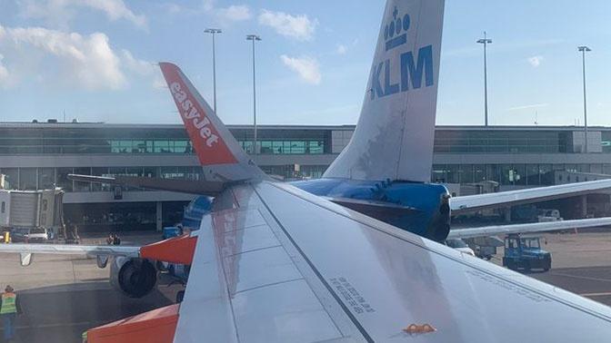 В аэропорту Амстердама столкнулись два лайнера