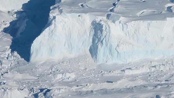 Ученые: гигантский ледник в Антарктиде приведет Землю к катастрофе