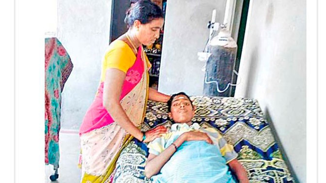 Мать спасла от кремации «умершего» сына, увидев его слезы