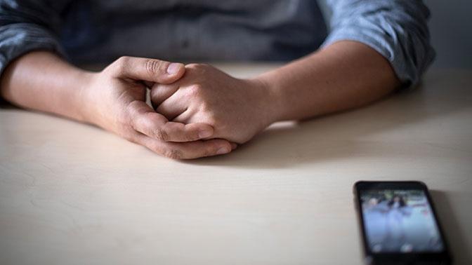 «Мы все в опасности»: Роскачество объяснило, как избежать взрыва аккумулятора смартфона или ноутбука