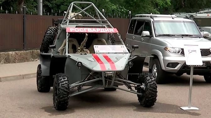Оснащенный пулеметом Калашникова многоцелевой автовездеход «Чаборз» представили на экспозиции Росгвардии