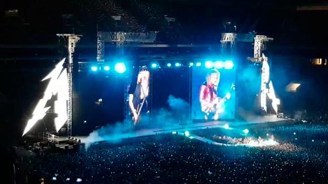 Metallica «взорвала» стадион в Москве, исполнив песню Цоя: видео