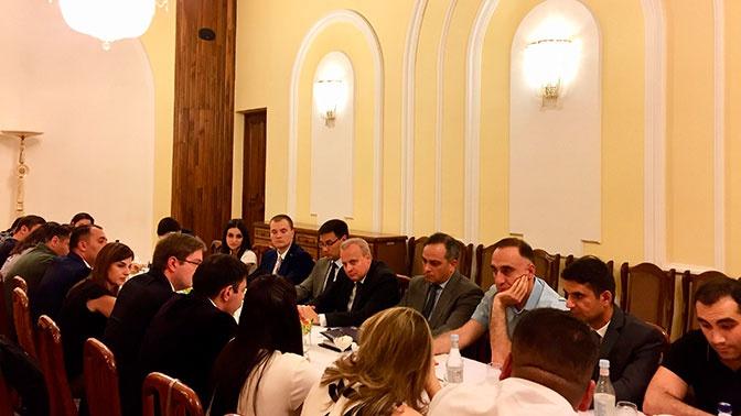 Посол РФ в Армении встретился с представителями молодежных организаций республики