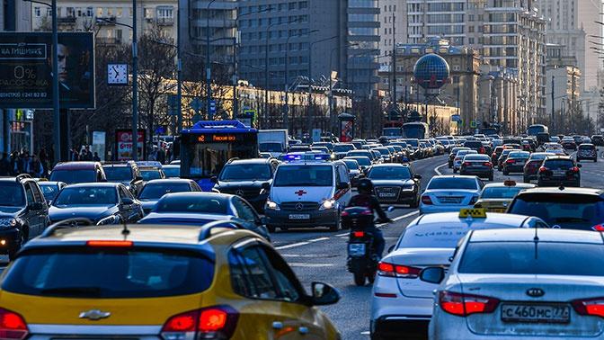 В область без пробок: в какое время лучше всего покидать Москву в пятницу