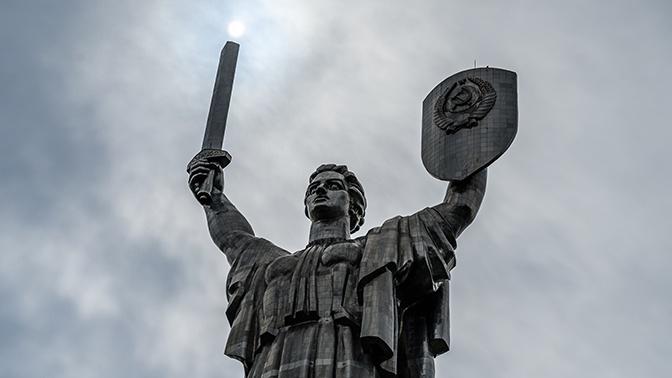 В Киеве назвали сроки краха Украины