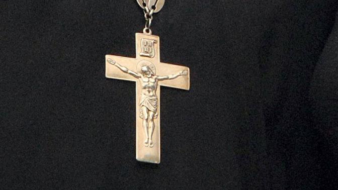 Мужчина под видом священника украл у бизнесмена 3 млн рублей