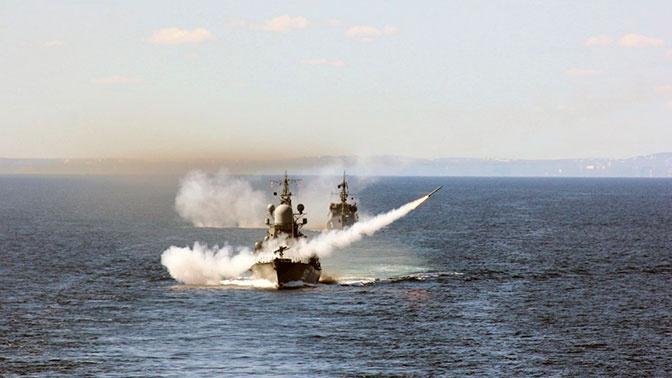 Военный эксперт рассказал, кто победит в «морском бое» между РФ и США
