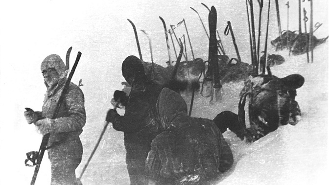 Спецназ и мертвый космонавт: исследователь обнаружил «причину» гибели группы Дятлова на бракованном фото