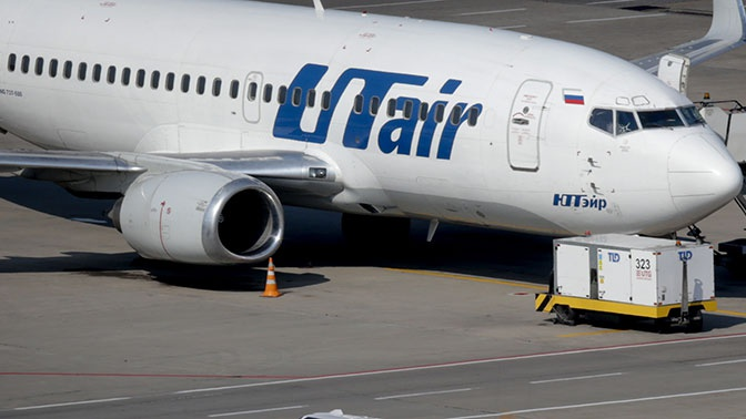 Рейс Москва - Уфа вернулся во Внуково из-за попадания птиц в двигатель самолета
