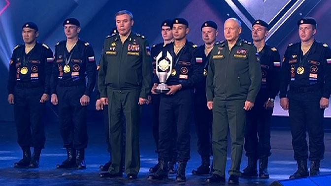 Герасимов наградил победителей «Танкового биатлона»