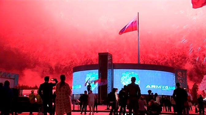 Фееричные выступления и шоу дронов: каким запомнится закрытие АрМИ-2019