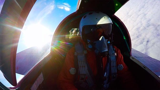 Воздушный бой МиГ-31 в ближнем космосе: видео учений