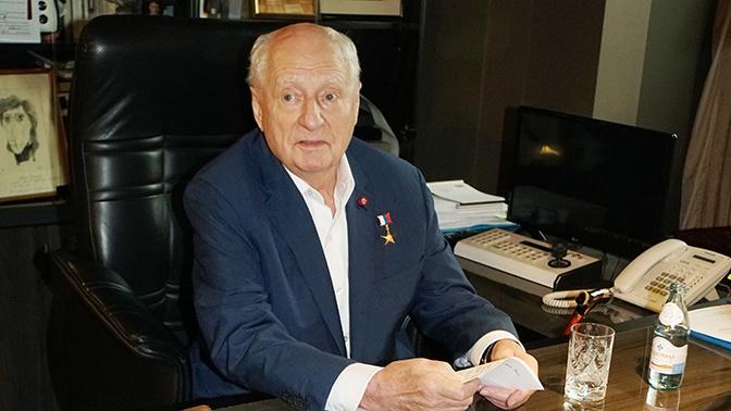 СМИ сообщили о госпитализации Марка Захарова