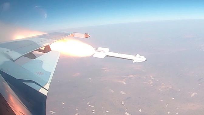 Пуски ракет молодыми летчиками Су-30СМ: кадры из-под крыла истребителя