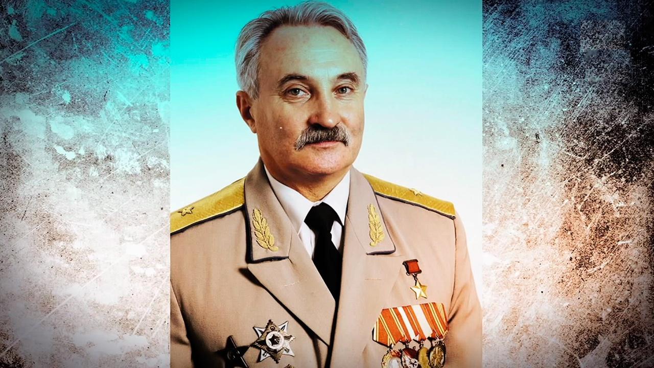 Александр Солуянов