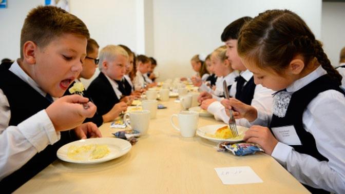 В Роспотребнадзоре рассказали о правильном питании школьников
