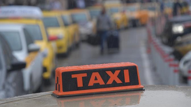 Агрегаторы такси хотят ужесточить правила приема водителей на работу