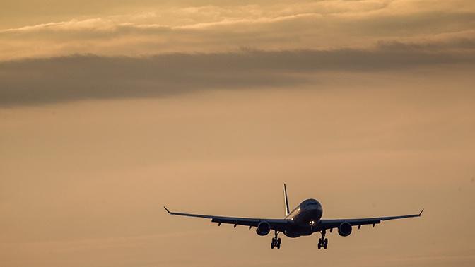 Самолет Москва - Анталья совершил вынужденную посадку в Краснодаре