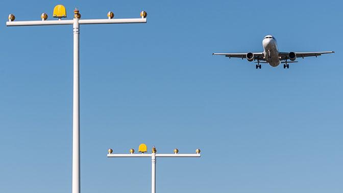 Названы аэропорты, где чаще всего задерживают рейсы