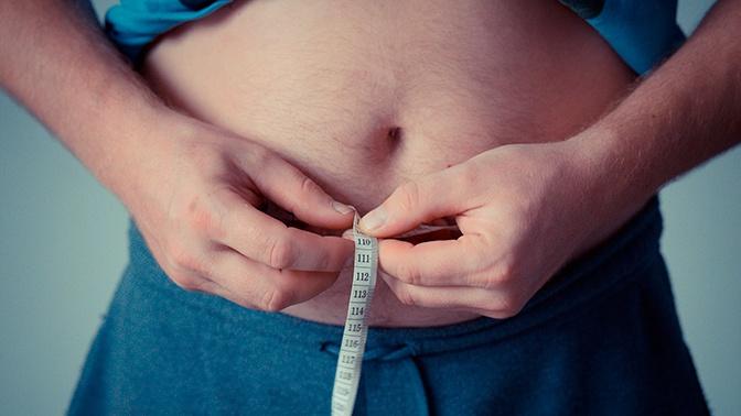 Ученые выяснили, почему люди с возрастом набирают вес