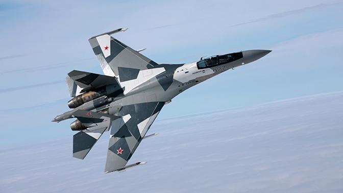 В небе над Стамбулом российский Су-35 показал фигуры высшего пилотажа