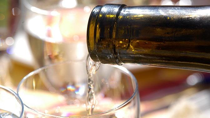 Как выбрать белое вино: советы экспертов Роскачества