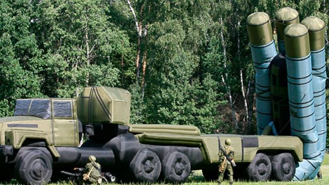 Пневматические макеты Т-72 и С-300 используют на учениях «Центр-2019»