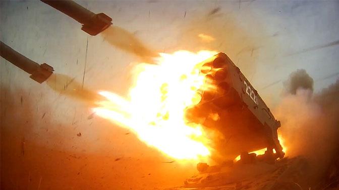 «Солнцепек» выжигает «врага» на учениях «Центр-2019»: кадры стрельб