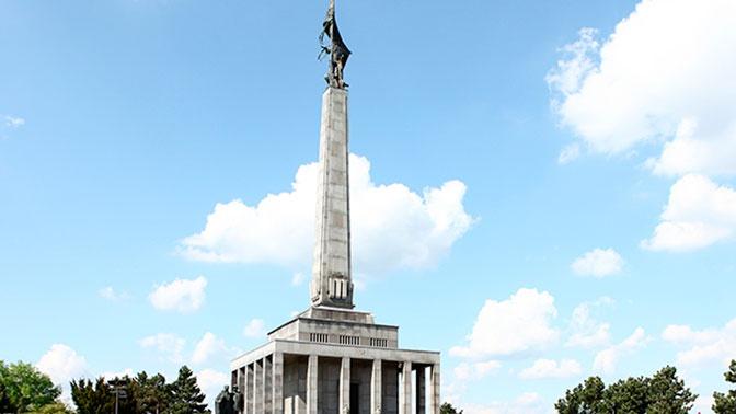Премьер Словакии напомнил о роли Советской армии в освобождении страны