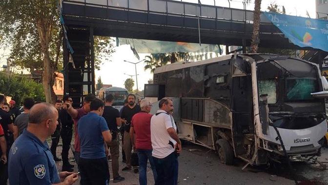 Автобус взорвался на юге Турции