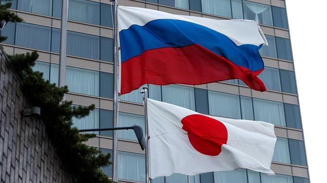 Глава МИД Японии рассказал о встрече с Лавровым
