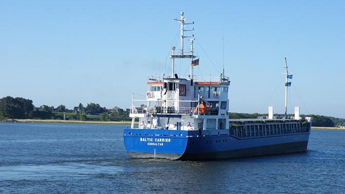 СМИ: российский капитан севшего на мель в Швеции судна был пьян