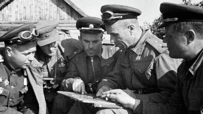 Взять город без боя: чем напугал фашистов легендарный военачальник Ази Асланов