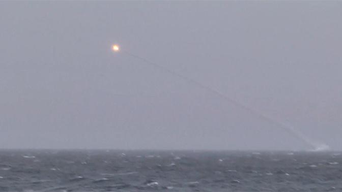 Подлодка «Колпино» отстрелялась «Калибрами» в Черном море: кадры запуска ракет