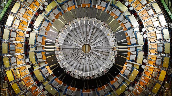 В ЦЕРН рассказали, что будет, если бросить лом в коллайдер