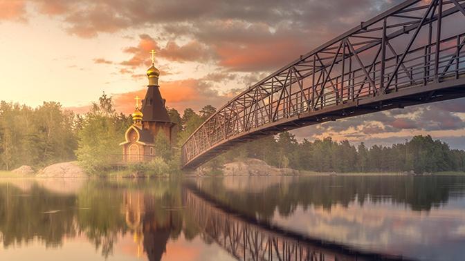 Православные празднуют Покров Пресвятой Богородицы: традиции и приметы