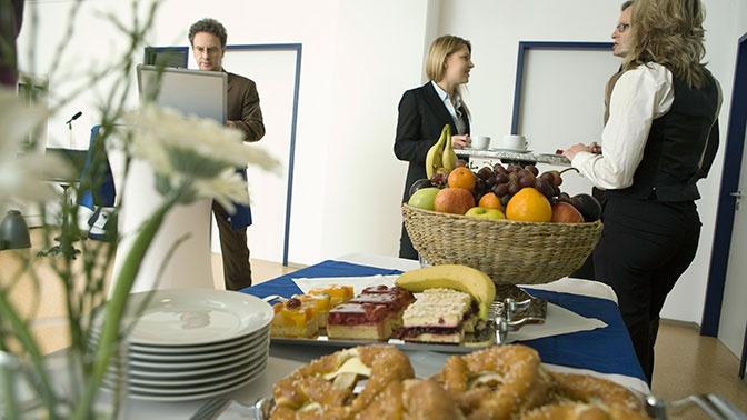 Эксперты рассказали о правильном питании на работе