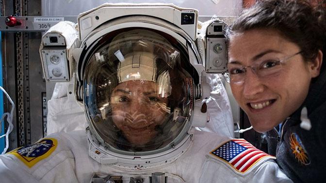 Впервые в истории: прямая трансляция выхода в открытый космос двух женщин-астронавтов