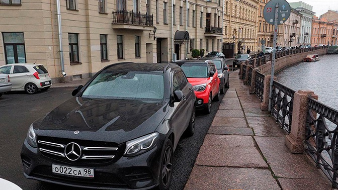 «Каналья!»: петербуржцы возмутились очередным нарушением парковки Боярским